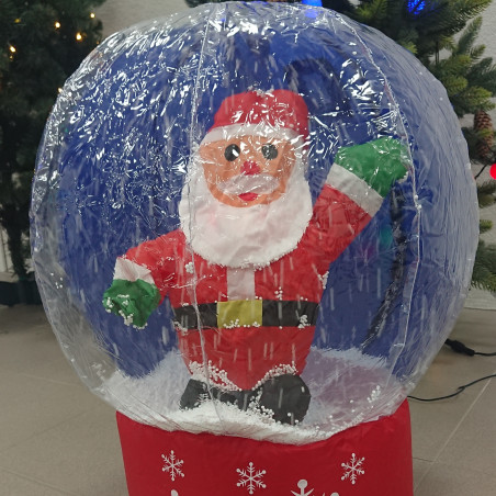 Kalėdų senis su krintančiu sniegu   Kalėdinė dekoracija